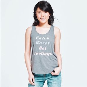• nwt ➳ catch waves not feelings graphic tank •